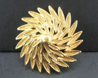 Vintage Gold Tone Monet Flower or Sunburst Brooch Pin Signed