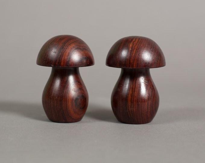 Mushroom Salt and Pepper - Vintage Wooden Shakers  - Dark Wood Grain Table Decor