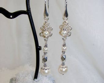 Flor earrings in silver and cultured pearl
