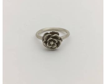 Silver flower ring size 6.5