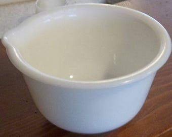 Vintage Measureing Small Milk Glass Mixing Bowl with Spout