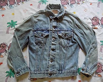 Vintage 70's Levi's Jean Jacket, size Small worn in Type III trucker jacket Denim