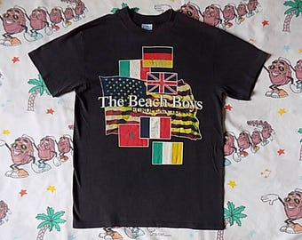 Vintage 80's Beach Boys European Tour T shirt, size Small soft and thin Spring Ford concert tee