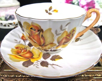 Shelley Tea Cup and Saucer Roses Pattern Teacup Ludlow Shape