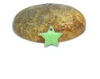 10 12mm light green star sequins