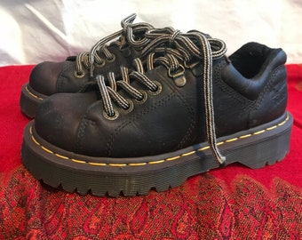 Dr. Doc Martens Leather Lace Up Shoes/Dark Brown/Air Wair/Chunky Cushioned Soles/Womens US Size 5/Small/Grunge/1990s
