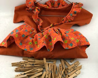 Vintage Orange Dress Clothes Pin Bag and 130 Wooden Clothes Pins