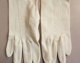 LITTLE DOT GLOVES // Vintage Crisp White Gloves Deadstock New Old Stock Made in France 60's