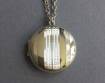 1920's Art Deco Sterling Silver Round Picture Locket