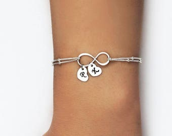 Personalized Infinity Bracelet, Mothers bracelet, Silver Infinity bracelet Grandma, Family bracelet with initial discs, Mothers day gift
