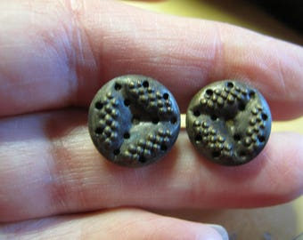 2 cut steel perfume buttons with trefoil detail 1800's  buttons  very stylish 13 mm diameter 220617/10