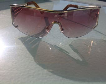Fiorelli sunglasses, gold sunglasses, retro fiorelli, gold retro sunnies, gold sunglasses, sunnies, boho sunglasses, sunnies with gold trim.