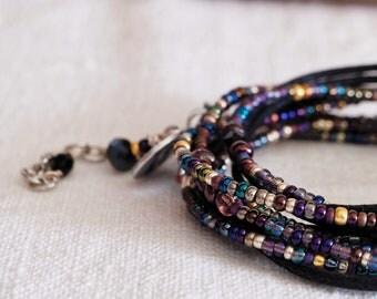Nuovo Braccialetto wrap, Bracciale donna, Gioiello donna, gioiello unisex, gioiello artigianale, bracciale quattro fili, nero e mix blu