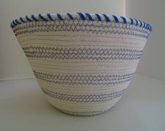 Basket in coton rope