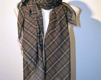 pretty scott scarf