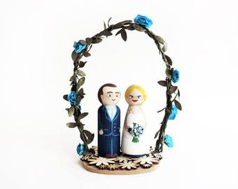 Wedding cake toppers flowers blue / Cake topper wedding wood flower ark / customized figurines - To customize