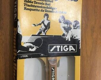 Vintage boxed table tennis bat