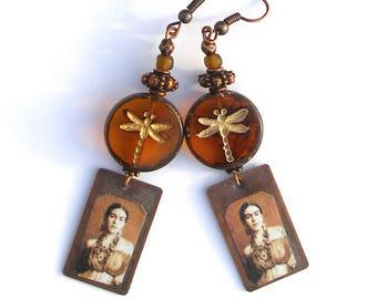 Boucles d'oreilles Frida Kahlo, libellule cuivre ambré brun ocre boho chic Frida hippie ethno chic bohème rustique OOAK verre tchèque unique