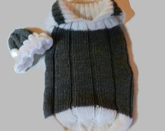 Knitted Grey and White  baby Cocoon sleeping sack with matching hat V5648