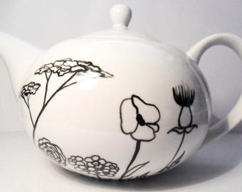 Hand-illustrated 4 cup Tea Pot