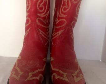 Size 8 womens red boots. Leather western boots by Roper.