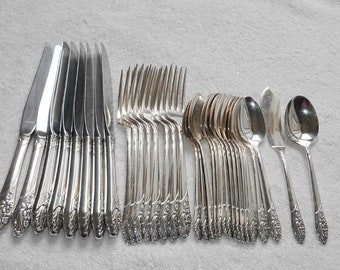 Oneida Community EVENING STAR Silver Plate Flatware Set ~ 32 Pieces/Basic Service for 8
