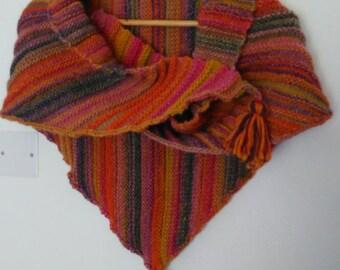 Shoulder multicolor knitted hand