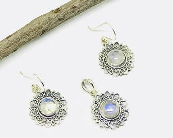 10% Rainbow moonstone earring pendant, necklaces set in sterling silver 925. Natural perfectly matched moonstones.