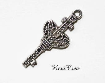 5 x silver plated key charm
