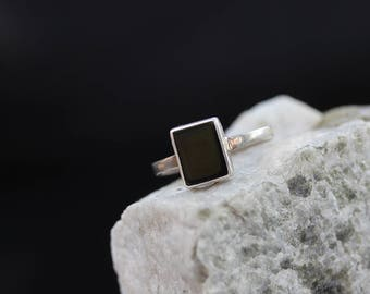 Vintage Sterling Silver Ring / Black Onyx Ring / size (7)