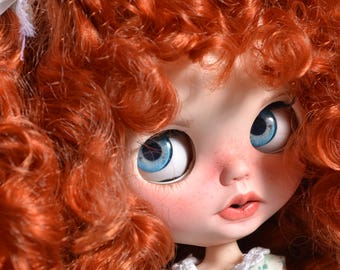 Customized Blythe doll by Carlaxy This girl has already been adopted but YOU CAN ADOPT a girl like this and choose one dress from my store