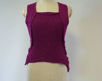 Summer fashion fuchsia boucle top, M size. Only one sample.