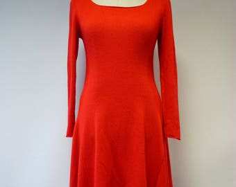 The hot price. Soft red dress, L size. Made of italian soft wool.