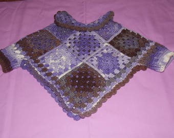 Poncho/sweater with sleeves for baby