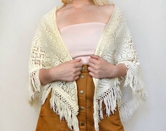 Vintage 70s White Crochet Fringe Poncho Boho Hippie Open Wrap Sweater Cardigan Shawl
