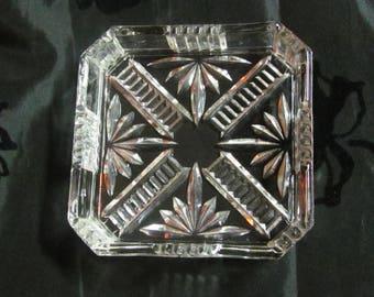 "ONE Small 4""x 4"" Square Glass Tray, Trinket Bowl; Vintage Ashtray; Clear Glass Ashtray; Retro Ashtray; Faceted Glass Ash Tray; Home Decor"