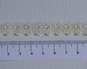 Ecru lace, 100% cotton, width 11 mm