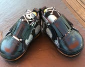 Shelly - Leather baby Shoes made in USA, 6 - 9 months, silver and midnight blue skull and crossbones, UK size 1