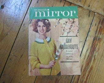"1960s Woman's Mirror ""Gay Gadabouts"" 8 knitting pattern booklet"