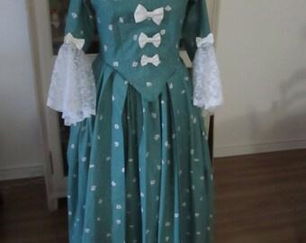 Marie-Antoinette Period Dress (Size 14)