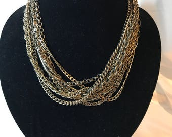 KIAM FAMILY, 11 Different Chains Necklace