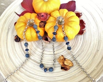 Very long necklace with cracked agate and enamel beads