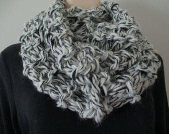 Womens Infinity Scarf Chunky Cowl  Black Gray White Cream  Outlander Claire