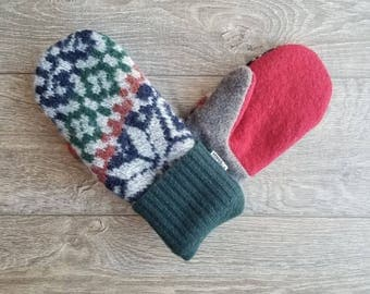 Best Wool Sweater Mittens // Womens Sweater Mittens // Fleece Lined mittens // Vintage Sweater with green cuff