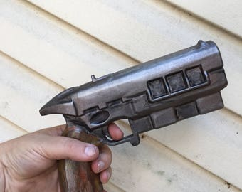 Fallout New Vegas Inspired 12.7MM Blaster Prop
