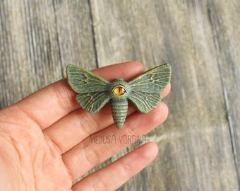 Green Magic Moth Brooch - Witch's Familiar Spirit Moth With Eye On His Back
