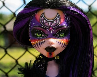 OOAK Draculaura Monster High (repaint, custom)