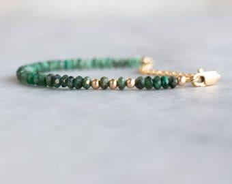 Emerald Bracelet, May Birthstone, Raw Emerald Jewelry, Ombre Emerald Bracelet, Wife Gift, Emerald Jewellery, Gemstone Stacking Bracelet