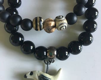 Spring/Summer BoHo Style Sweet Little Robin Black Beaded Bracelet Fun unique jewelry // by OzzDesigns