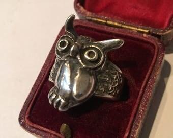 Vintage Silver Owl ring, fantastic item.